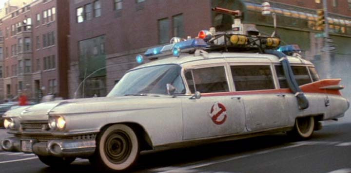 ecto 1 l ambulance mythique de ghostbusters boitier rouge. Black Bedroom Furniture Sets. Home Design Ideas